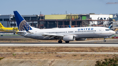 A picture of N76514 - Boeing 737824 - United Airlines - © Haocheng Fang