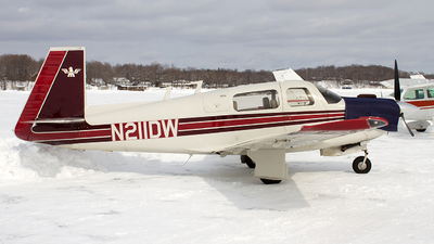 N211DW - Mooney M20F - Private