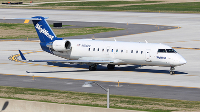 A picture of N928EV - Bombardier CRJ200ER - SkyWest Airlines - © MT Aviation photo & Film