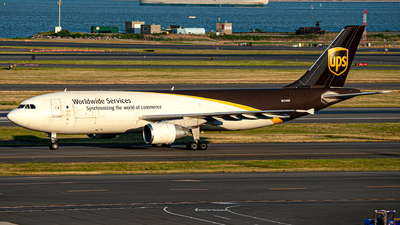A picture of N174UP - Airbus A300F4622R - UPS - © OCFLT_OMGcat