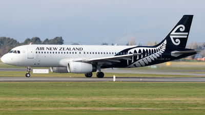 ZK-OJQ - Airbus A320-232 - Air New Zealand
