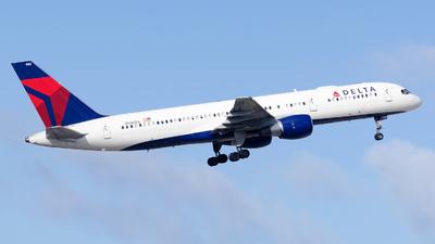 N680DA - Boeing 757-232 - Delta Air Lines