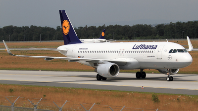 D-AIZT - Airbus A320-214 - Lufthansa