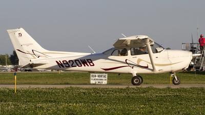 A picture of N920WB - Cessna 172S Skyhawk SP - [172S10837] - © Jeremy D. Dando