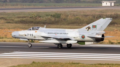 2715 - Chengdu F-7BGI - Bangladesh - Air Force