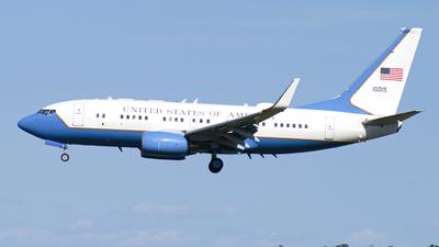 01-0015 - Boeing C-40B - United States - US Air Force (USAF)