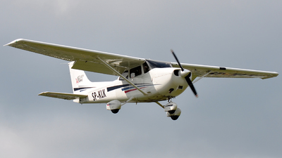 SP-KLK - Cessna 172S Skyhawk SP - Private