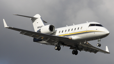 N604SA - Bombardier CL-600-2B16 Challenger 604 - Private