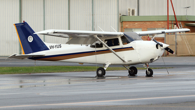 VH-YUS - Cessna 172R Skyhawk II - Singapore Flying College