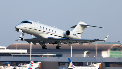 A picture of N313JL - Bombardier Challenger 300 - Delta Private Jets - © steve
