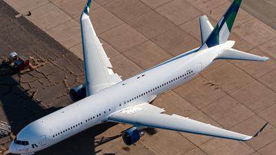 A picture of N261LF - Boeing 767352(ER) - [26261] - © Ben Suskind