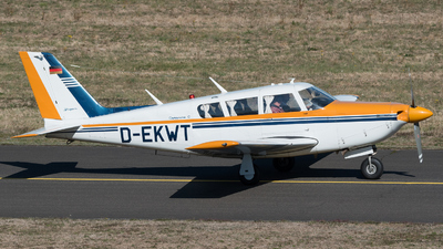 D-EKWT - Piper PA-24-260 Comanche C - Private