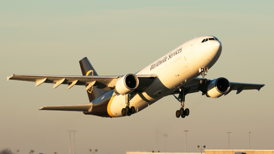 A picture of N128UP - Airbus A300F4622R - UPS - © Erik Goodfellow