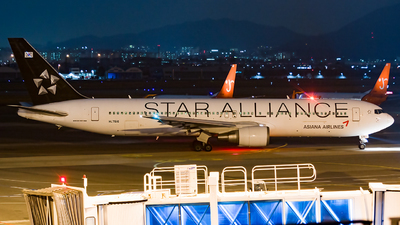 HL7516 - Boeing 767-38E - Asiana Airlines
