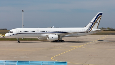 A picture of SXRFA - Boeing 75723N -  - © Oliver Hendrich