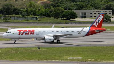 PT-XPM - Airbus A321-211 - TAM Linhas Aéreas