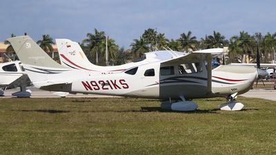 N921KS - Cessna T206H Turbo Stationair - Private