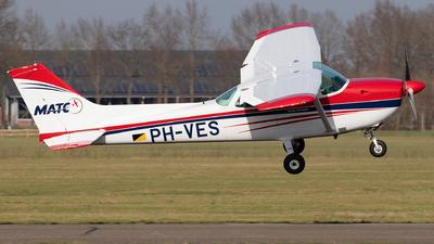 A picture of PHVES - Cessna F172P Skyhawk - [02063] - © Sandra