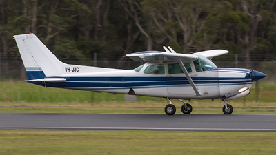 VH-JJC - Cessna 172RG Cutlass RG - Private