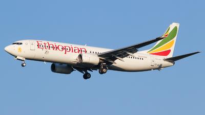 A picture of ETASJ - Boeing 737860 - Ethiopian Airlines - © Vitaly Revyakin