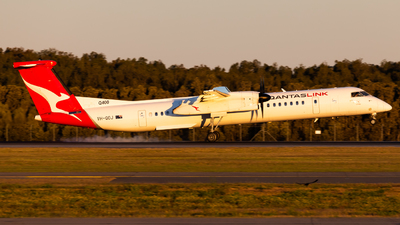 A picture of VHQOJ - De Havilland Canada Dash 8400 - Qantas - © Brandon Giacomin