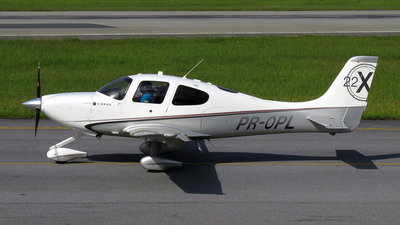A picture of PROPL - Cirrus SR22 - [3722] - © Luis F. Pereira