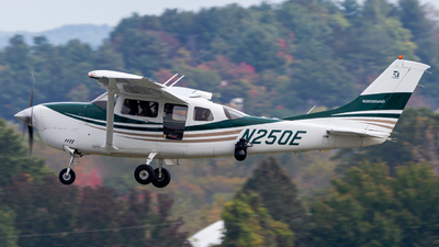 N250E - Cessna 206H Stationair - Silver Creek Aviation Services