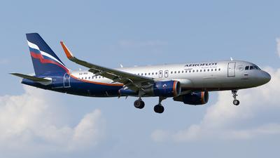 VQ-BSI - Airbus A320-214 - Aeroflot