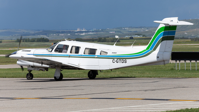 A picture of CGTDS - Piper PA32RT300T - [32R7887289] - © Mike MacKinnon