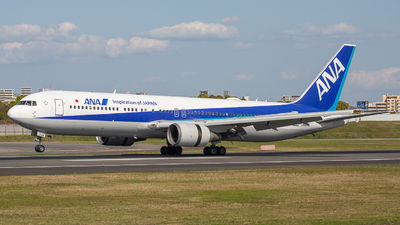 A picture of JA611A - Boeing 767381(ER) - All Nippon Airways - © Tokubee