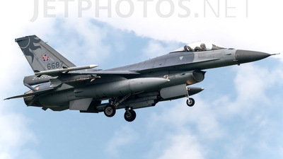 6687 - General Dynamics F-16A Fighting Falcon - Taiwan - Air Force