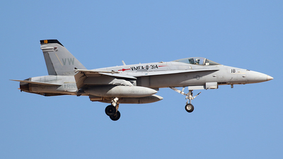 165193 - McDonnell Douglas F/A-18C Hornet - United States - US Marine Corps (USMC)