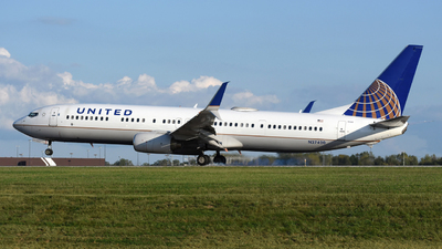 A picture of N37420 - Boeing 737924(ER) - United Airlines - © DJ Reed - OPShots Photo Team
