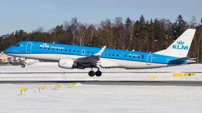 A picture of PHEZR - Embraer E190STD - KLM - © Szymon Pelplinski