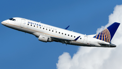 A picture of N855RW - Embraer E170SE - United Airlines - © Matt Lino