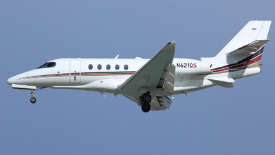 A picture of N621QS - Cessna 680A Citation Latitude - NetJets - © Ken Takeuchi