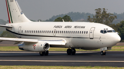 3520 - Boeing 737-2B7(Adv) - Mexico - Air Force