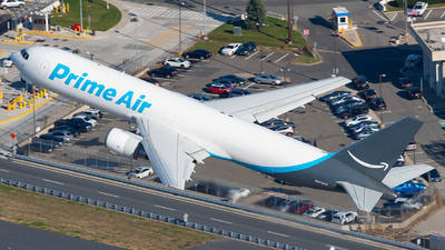A picture of N313AZ - Boeing 767338(ER)(BDSF) - Air Transport International - © Tyler Lorenz