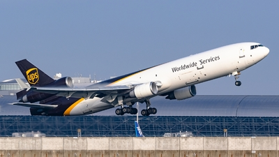 A picture of N260UP - McDonnell Douglas MD11F - UPS - © S Waki