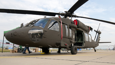 7640 - Sikorsky UH-60M Blackhawk - Slovakia - Air Force