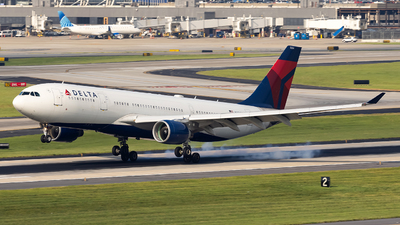A picture of N854NW - Airbus A330223 - Delta Air Lines - © JinZi