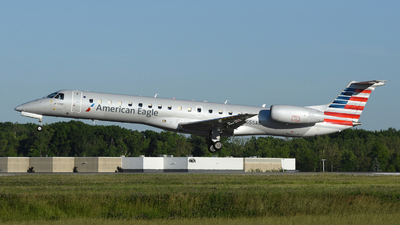 A picture of N655AE - Embraer ERJ145LR - American Airlines - © DJ Reed - OPShots Photo Team