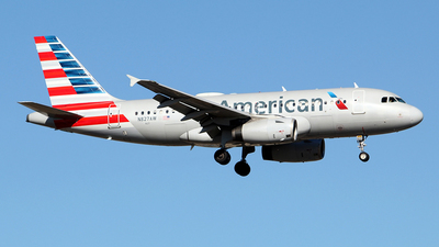 A picture of N827AW - Airbus A319132 - American Airlines - © toyo_69pr