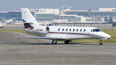 A picture of N313QS - Cessna 680 Citation Sovereign - NetJets - © Chung Kwok