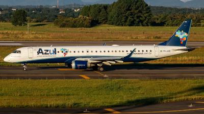 A picture of PRAXB - Embraer E195AR - Azul Linhas Aereas - © Adriano Soares Fotografia