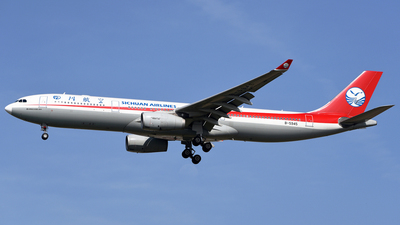 B-5945 - Airbus A330-343 - Sichuan Airlines