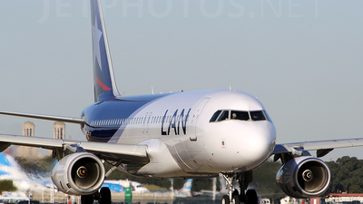 LV-CQS - Airbus A320-233 - LAN Argentina