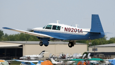 N9201A - Mooney M20J - Private