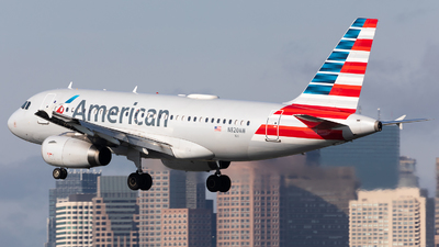 A picture of N820AW - Airbus A319132 - American Airlines - © HAOFENG YU