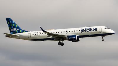 A picture of N355JB - Embraer E190AR - JetBlue Airways - © Sean Brink